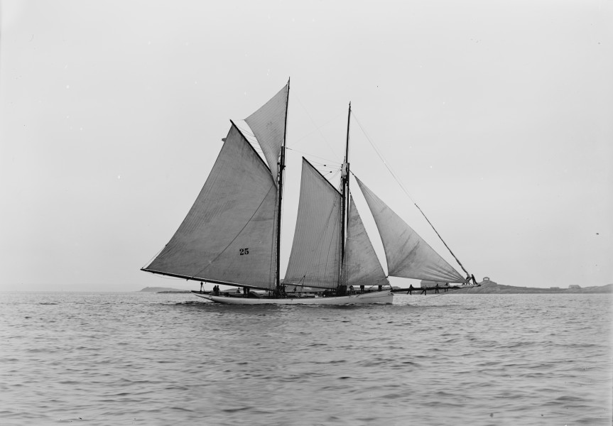 Schooner Mayflower-01