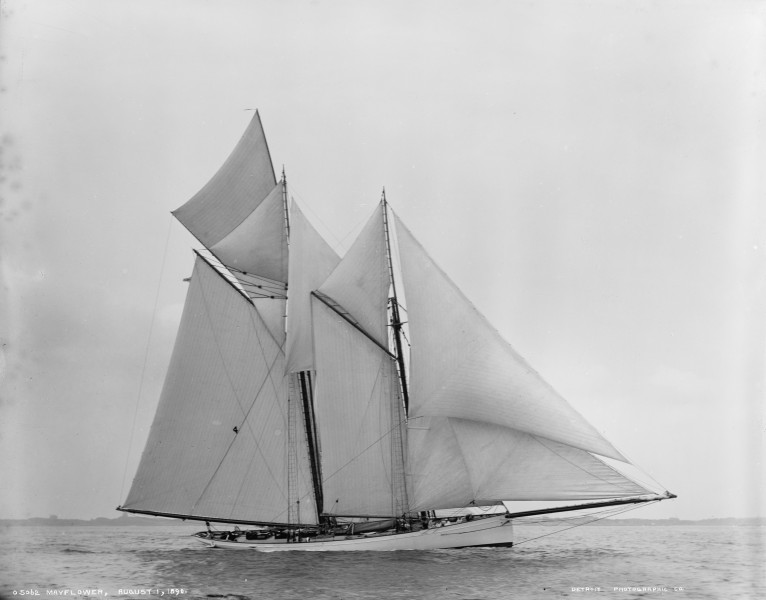 Schooner Mayflower-03
