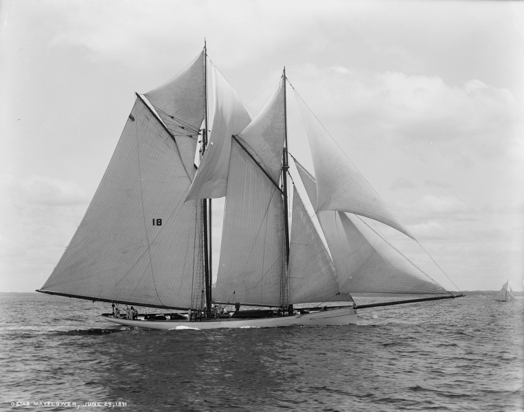 Schooner Mayflower-4