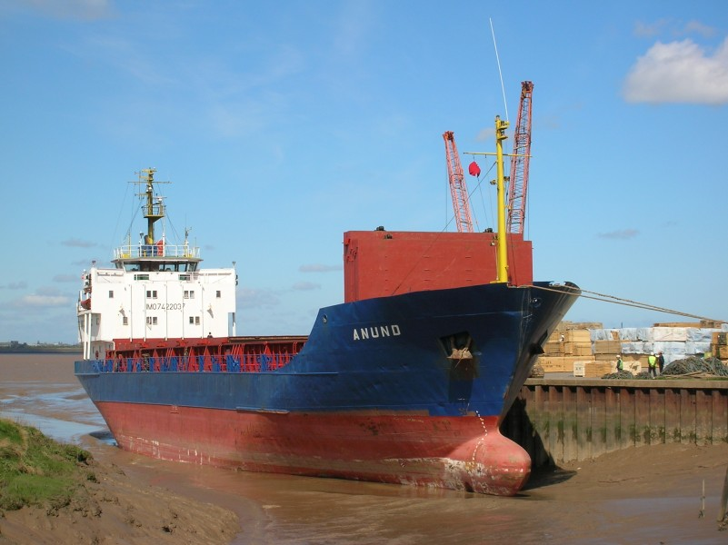 Ship Anund in Barrow Haven (port) - Photo taken at low tide - 28 April 2006