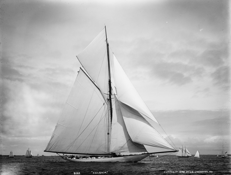 Sloop Colonia-7