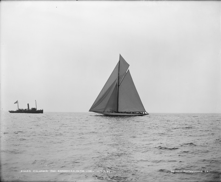 Sloop Columbia-1