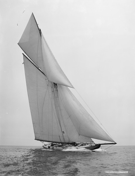 Sloop Independence