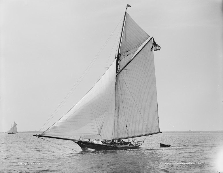 Sloop Liris-5