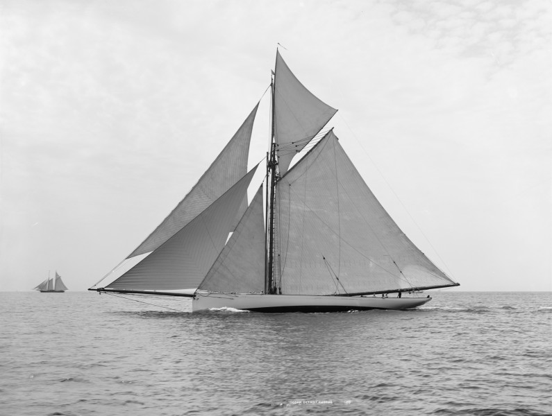 Sloop Mayflower-4