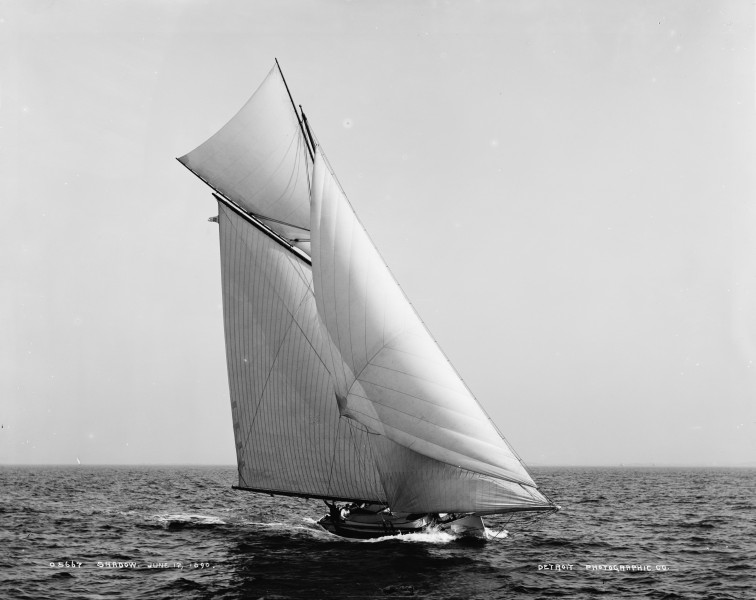 Sloop Shadow