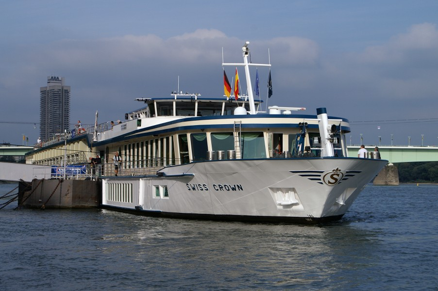 Swiss Crown (ship, 2000) 008