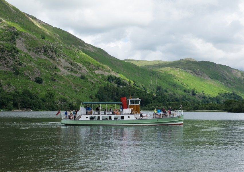 The Western Belle on Ullswater