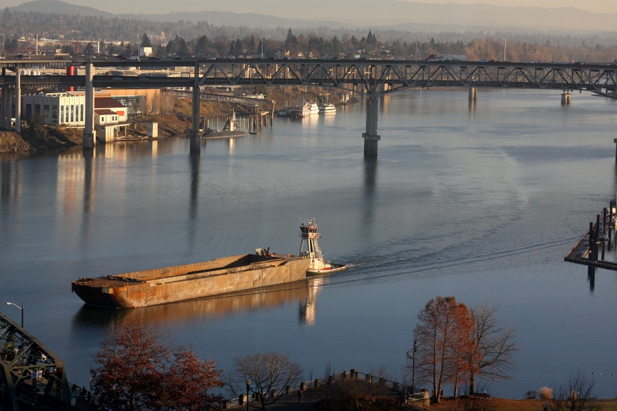 Tug & barge, willamette river -c