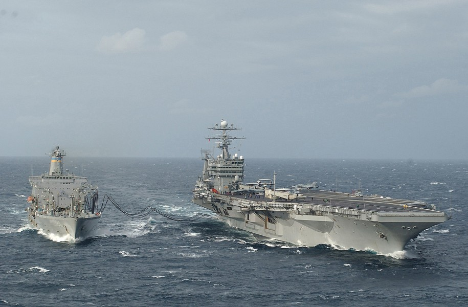 US Navy 030911-N-6278K-002 USS George Washington (CVN 73) conducts a replenishment at sea with USNS Kanawha (T-AO 196) in the Atlantic Ocean