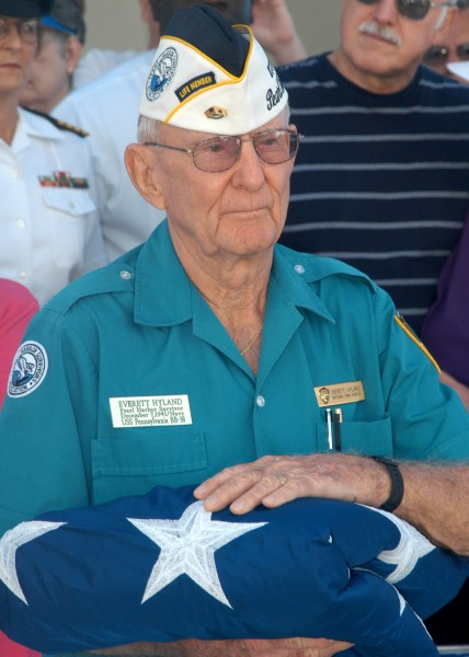 US Navy 031204-N-7391W-045 verett Hyland, the only remaining Pearl Harbor survivor who served aboard the battleship USS Pennsylvania
