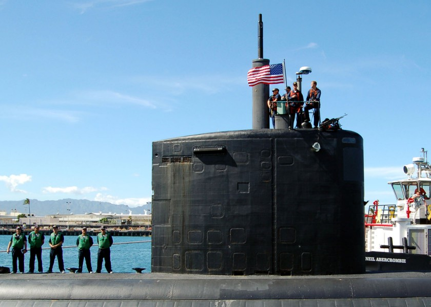 US Navy 051027-N-0879R-004 The Los Angeles-class fast attack submarine USS Charlotte (SSN 766) prepares to depart her homeport of Pearl Harbor