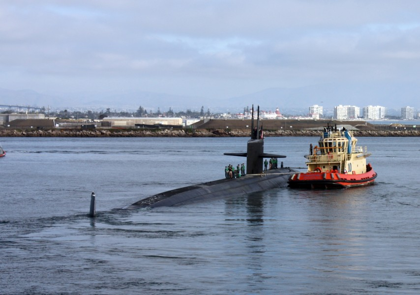 US Navy 101116-N-4047W-005 The Los Angeles-class attack submarine USS San Francisco (SSN 711) departs for its six-month western Pacific Ocean