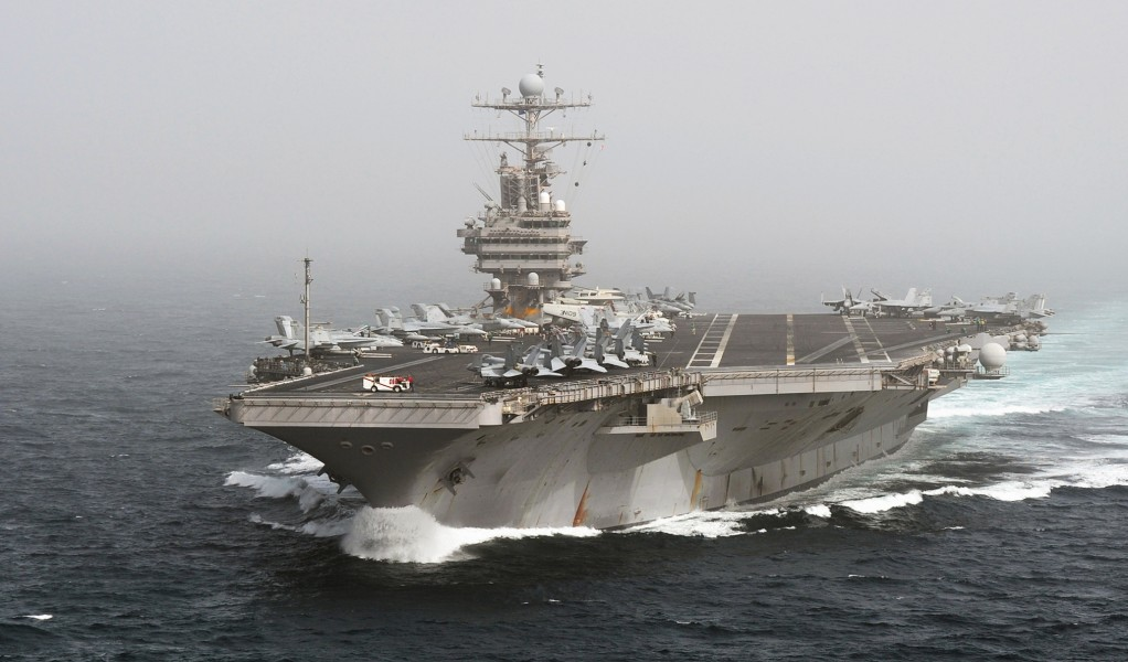 US Navy 101205-N-4856N-164 The aircraft carrier USS Abraham Lincoln (CVN 72) transits the Arabian Sea