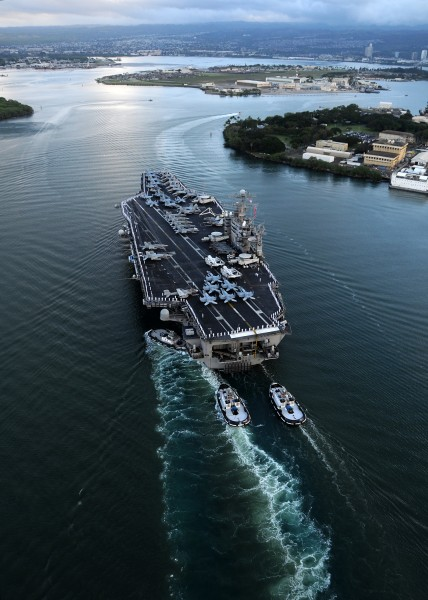 US Navy 110310-N-CQ682-278 The aircraft carrier USS Abraham Lincoln (CVN 72) arrives in Pearl Harbor for a port visit