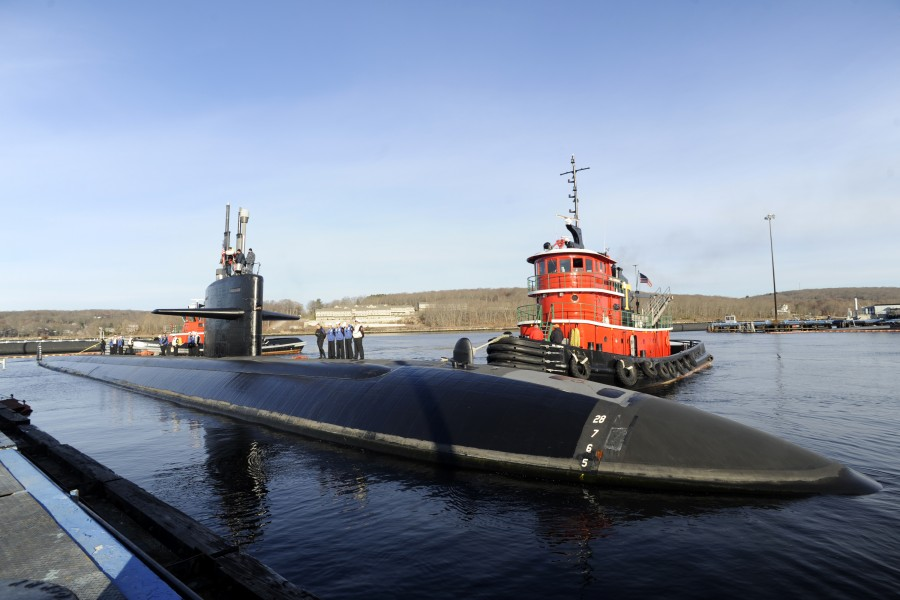 US Navy 110406-N-8467N-001 USS Memphis (SSN 691) departs Submarine Base New London for the final time