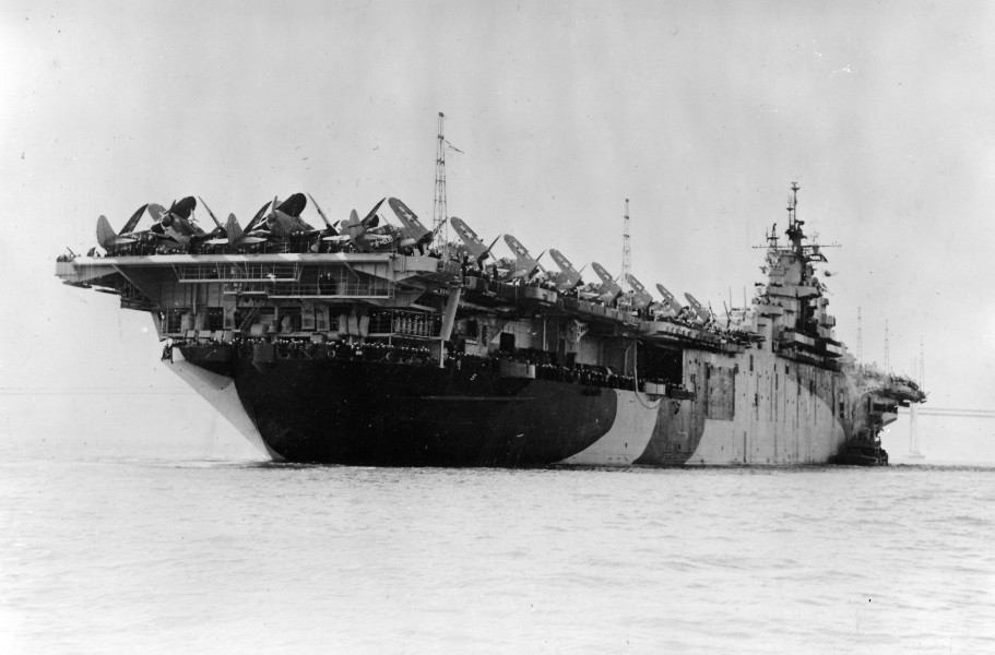USS Essex leaving SF stern 1944