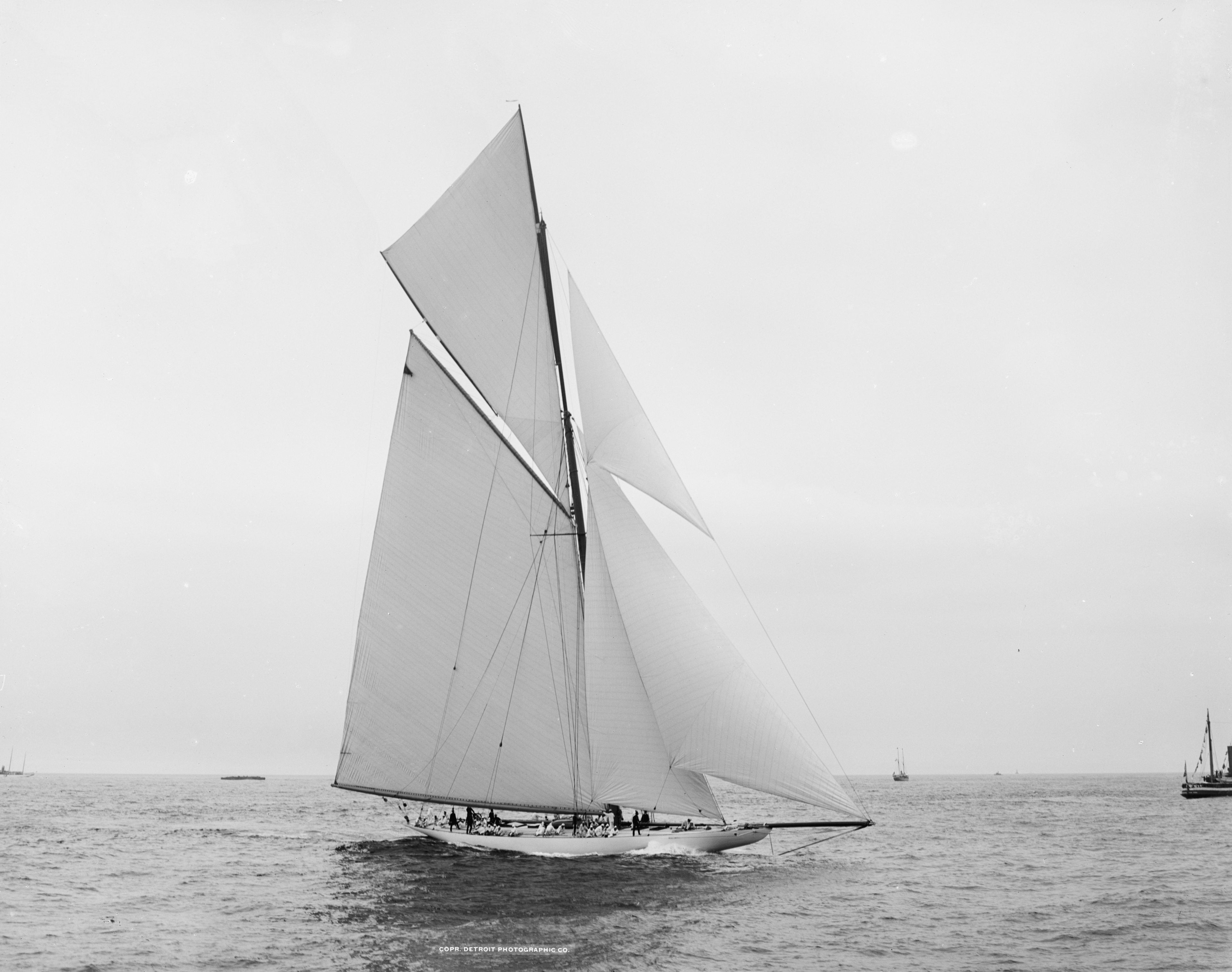 Sloop Reliance-3