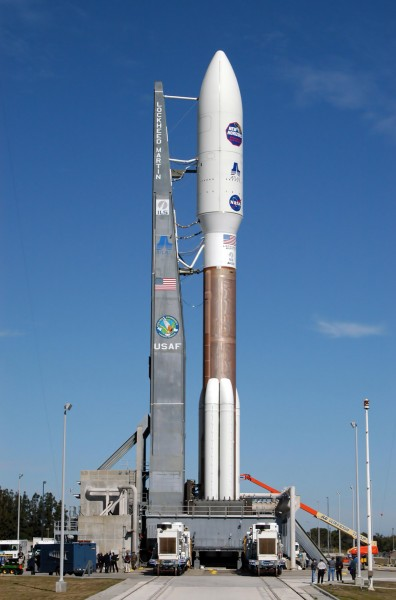 Atlas V 551 with New Horizons on Lauch Pad 41