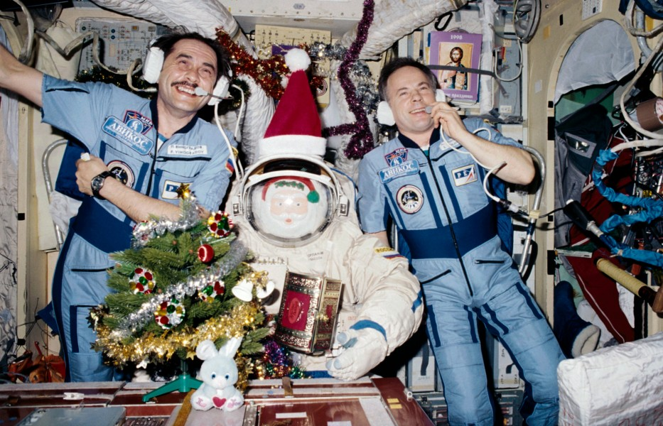 Christmas 1997 on the Mir Space Station2