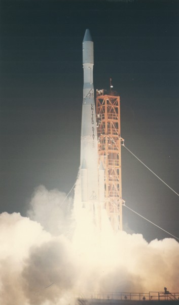 Delta-E launching Pioneer-6