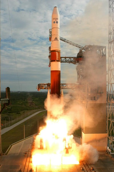 Delta IV Medium+ (4,2) launch with GOES-N