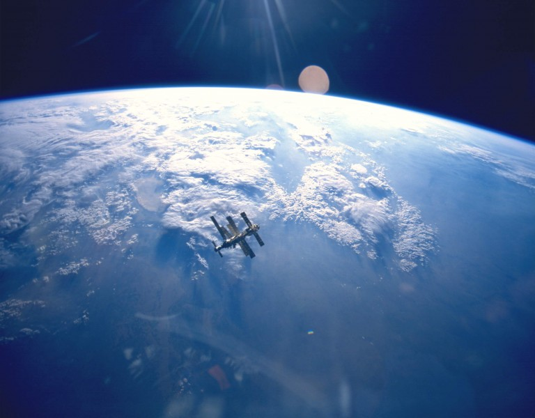 Earth & Mir (STS-71)