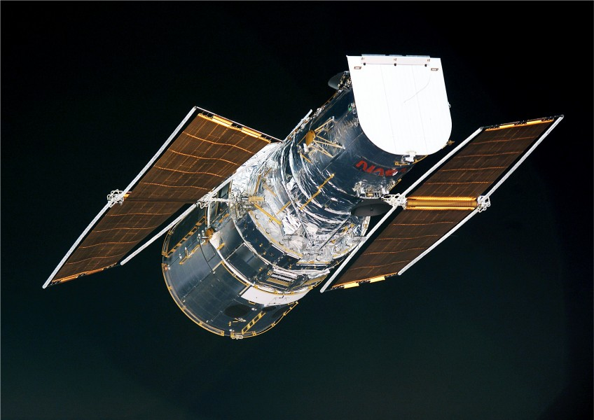 Hubble solar arrays after Servicing Mission 3B
