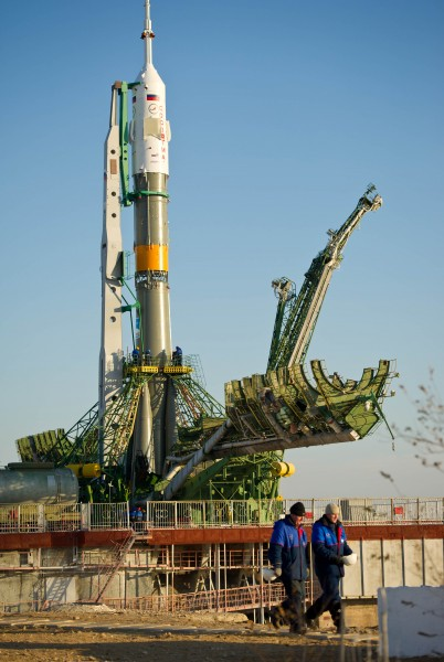 Soyuz TMA-22 (Expedition 29) post-rollout in Baikonur