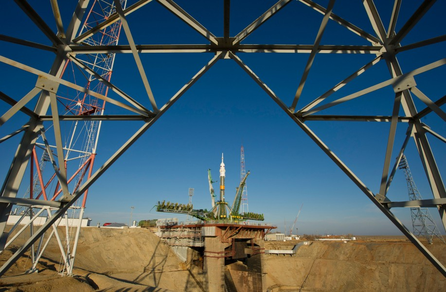 Soyuz TMA-22 rocket at the launch pad