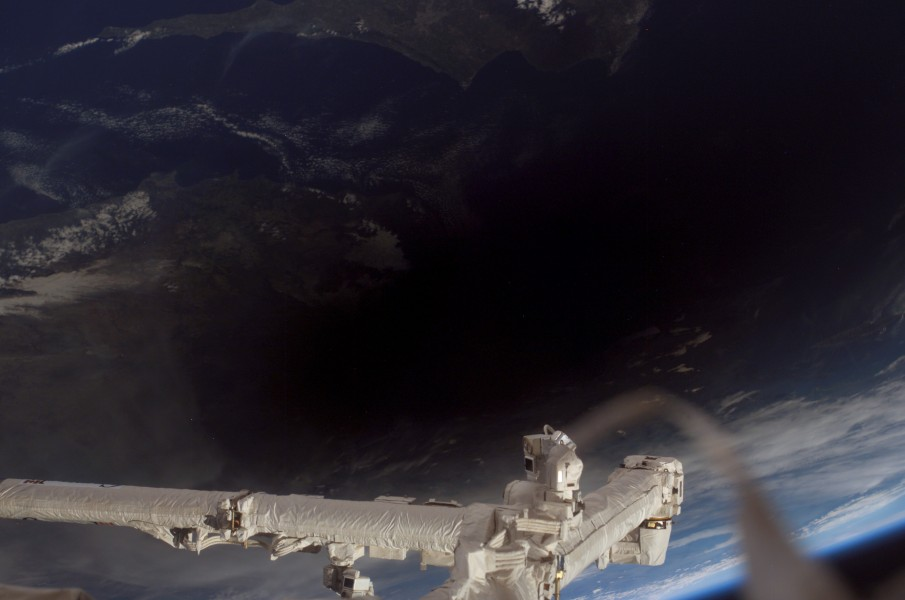 Total Solar Eclipse 2006 March 29 from ISS