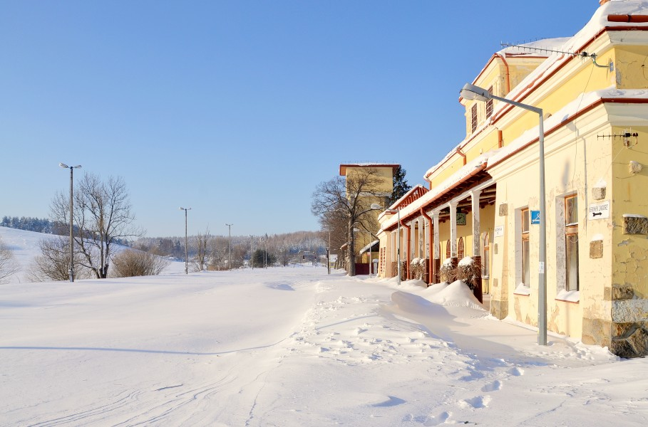 Łupków (Лупків) - train station in winter 01